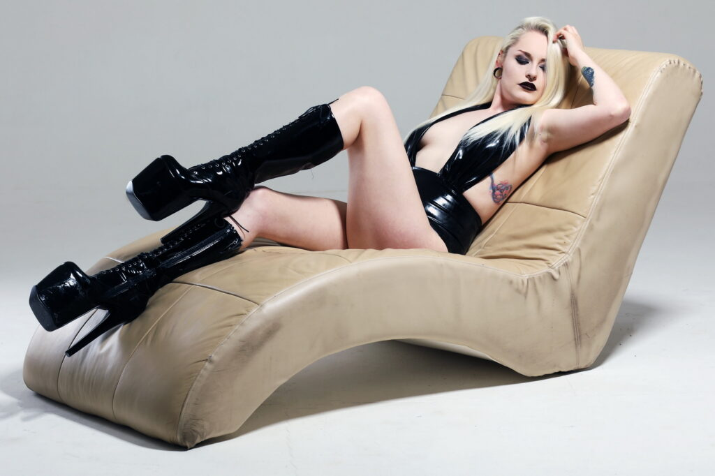 Latex fashion model Leora Nyx models Shhh! Couture Latex